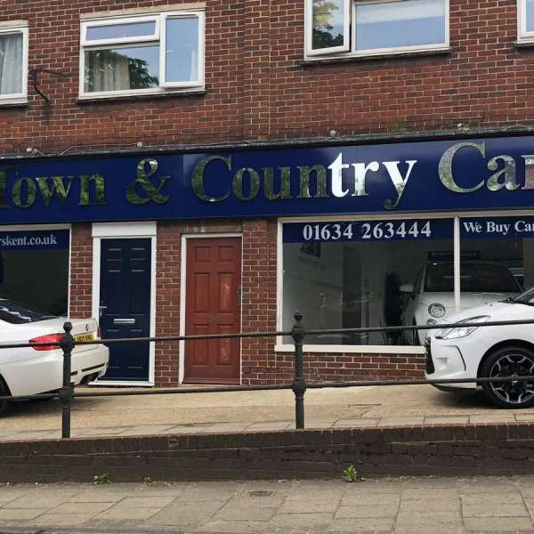 Town & Country Cars Fascia stood off chrome letters (2)